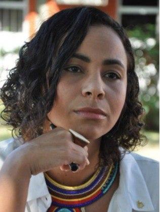 Camila Valadão é professora e já trabalhou como assistente social