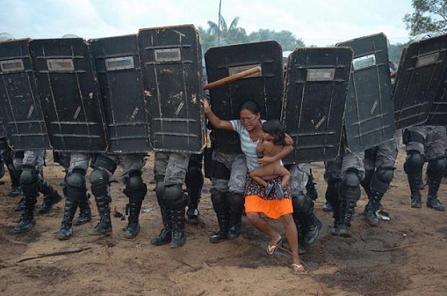 O povo contra a polícia de Casagrande, em Nova Esperança
