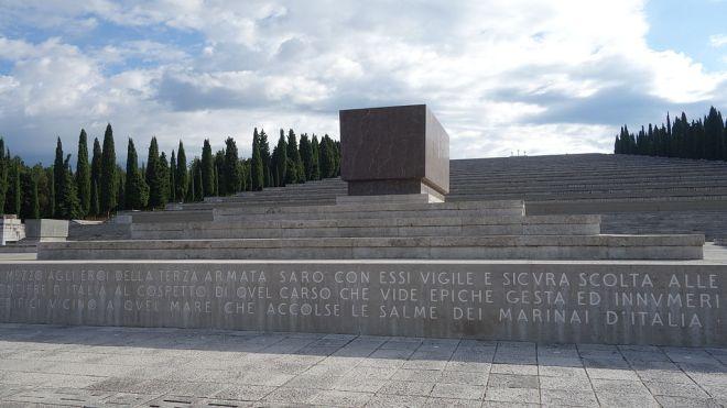 1024px-Sacrario_militare_di_Redipuglia_agosto_2