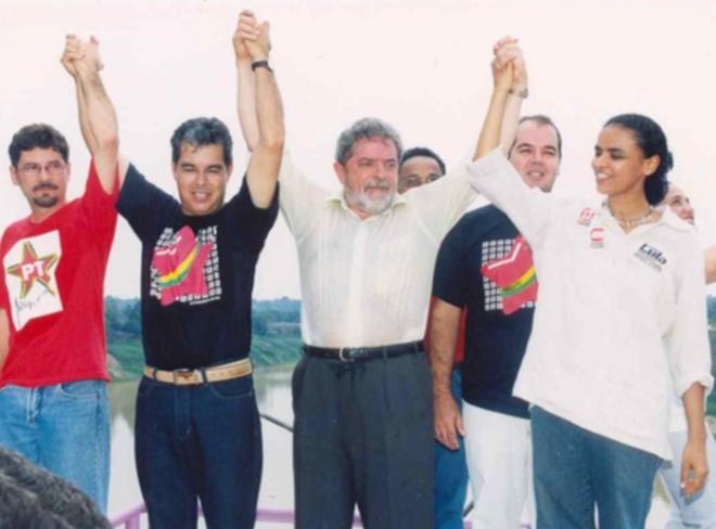 Marina, com o apoio de Lula se elege senadora, em 2002