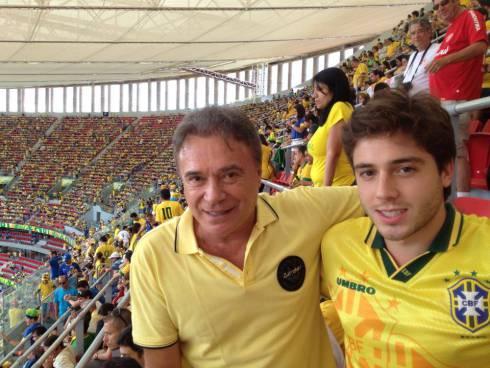 Senador Álvaro Dias e filho, no dia da vaia