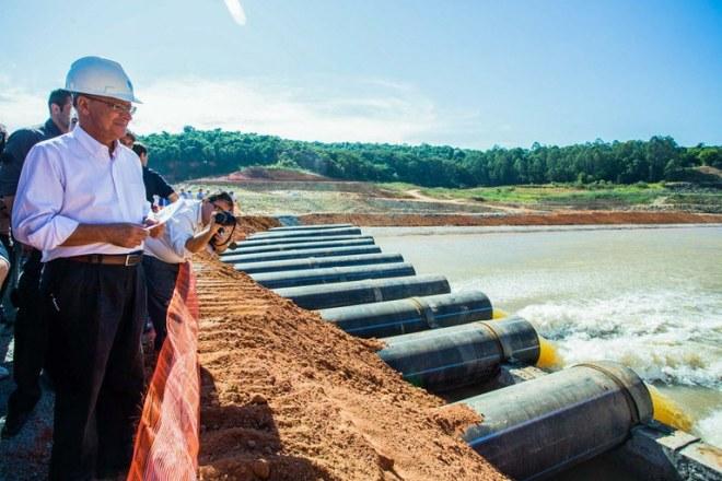 Geraldo Alckmin 'inaugura' o volume morto do sistema Cantareira, em maio deste ano