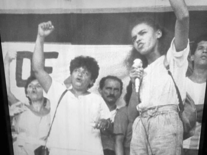 Marina Silva em protesto de professores, promovido pela CUT