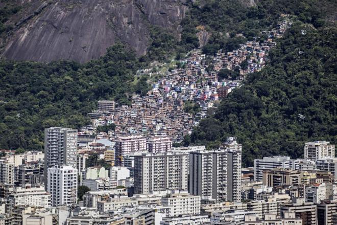 Brasil, Rio de Janeiro - Condomínios, prédios e favela NELSON GARRIDO