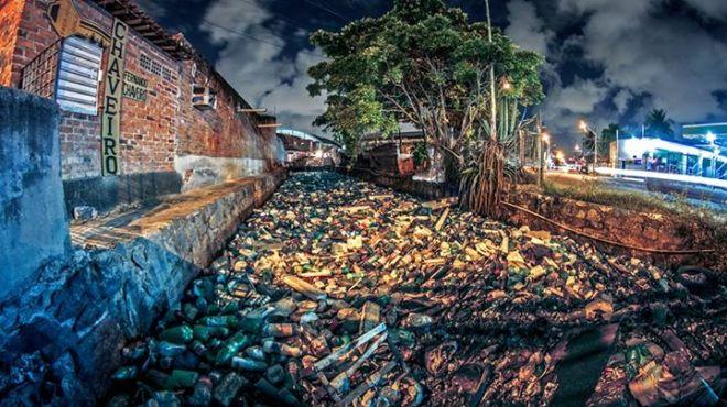 Rafael Andrade: Canal do lixo, localizado em Afogados, Estrada dos Remédios (ao lado do bar do Caboclinho)
