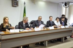 Debate sobre o projeto de terceirização na Comissão do Senado