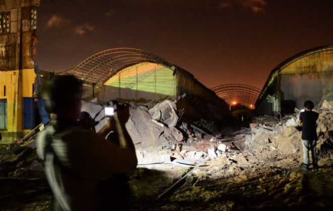 Parte dos armazéns que foram demolidos pelo consórcio em 21 de maio de 2014