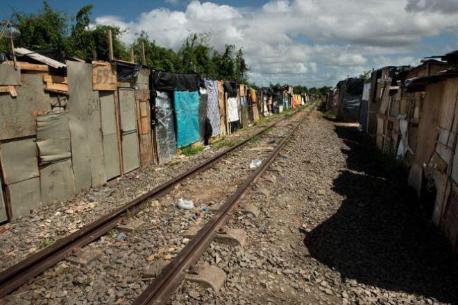 As comunidades de Vila Sur I e Vila Sur II se levantam a poucos metros do novo empreendimento e já reúnem 1.200 famílias, segundo a prefeitura. Foto Eric Gomes