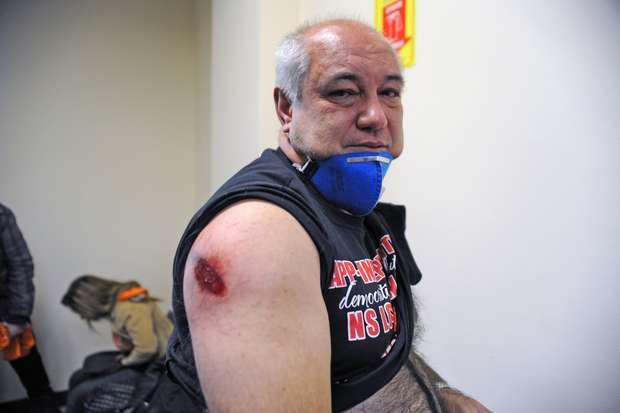 protestocuritibafotospublicas05 ferido