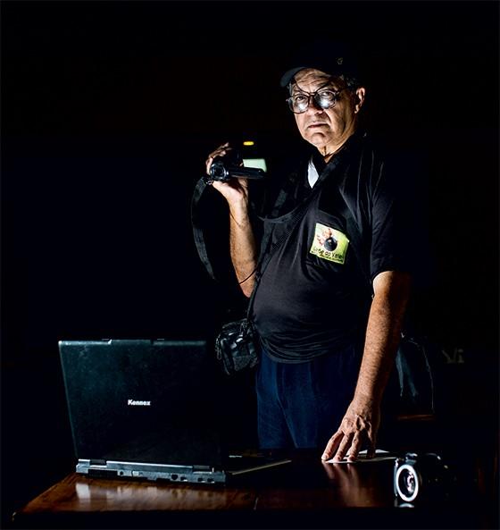 """TESTEMUNHA O blogueiro Valseque Bomfim, que publica notícias policiais. Ele ouviu dizer que """"pegaram o homem errado"""" (Foto: Leo Drumond/Nitro/Época)"""