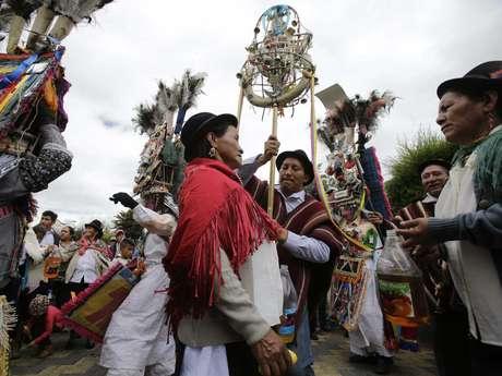Povos indígenas recebem o Papa Francisco no Equador e Bolívia