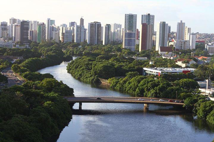 Imagem do Rio Capibaribe - Autoria de Andrade Talis
