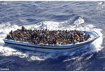ANSA770998_LancioGrande emigrantes